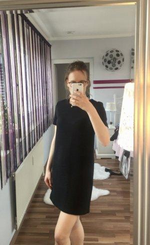 Abgestepptes Kleid