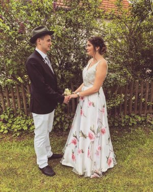 Abiball/ Abendkleid/ Ballkleid mit Blumen