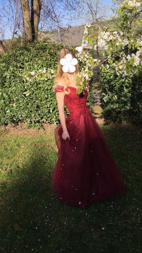 Vestido de baile burdeos-carmín