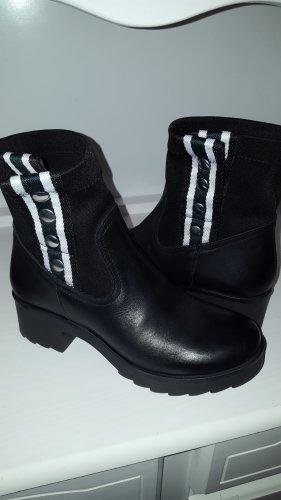 ABOUT You Boots Gr.38 schwarz Leder