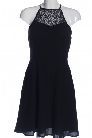 About You Vestido de cuello Halter negro look casual