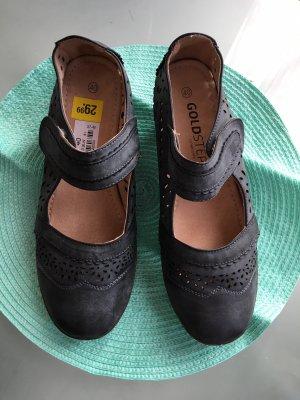 Absatz Schuhe mit Klettverschluss echtes Leder in größe 40 (ganz neu)