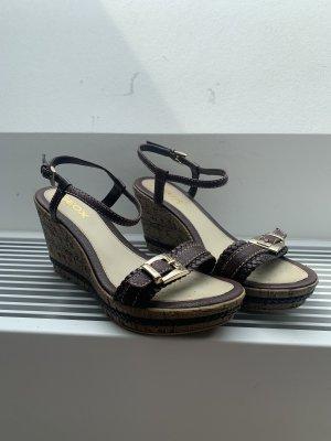 Absatz Schuhe / Sandalen