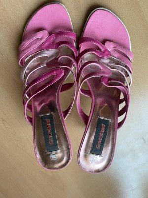 Absatzschlapfen/ Sandalen