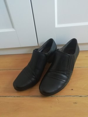 Caprice Cap Toes black leather