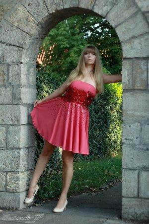 Abschlussballkleid - Wunderschönes pinkes Kleid mit Pailletten