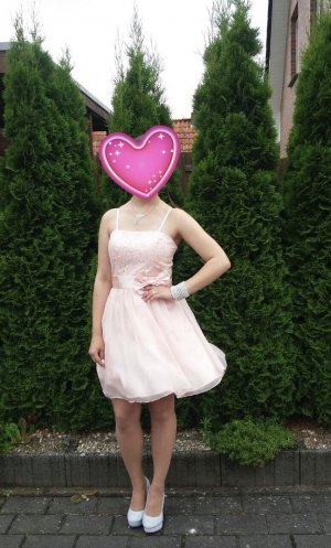 Abschlusskleid in hell rosa