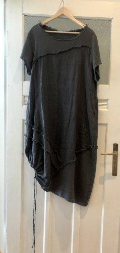 Absolut, außergewöhnliches Kleid. 100% natural Product. Mit Taschen. Game change & head turner.