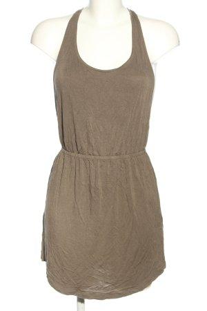 Accessorize Mini vestido marrón look casual
