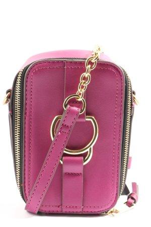 Accessorize Minibolso rosa look casual