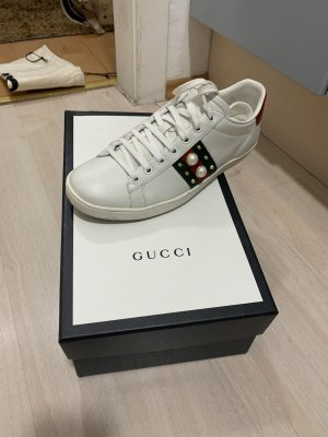 ACE Sneaker(Gucci)aus Leder mit Nieten (Gr 39)