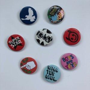 Acht verschiedene Buttons!