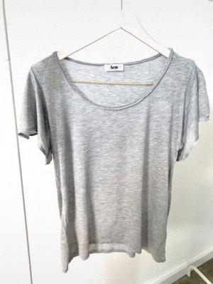 Acne Camiseta gris claro