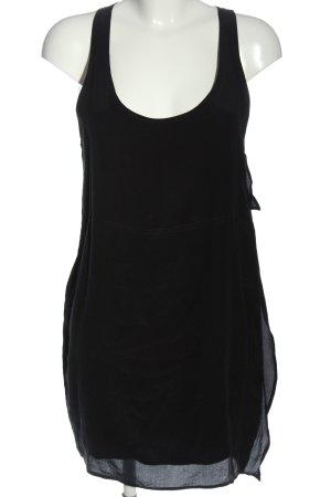 Acne Mini vestido negro look casual