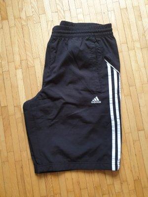 Activeshorts von Adidas