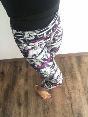 Activewear wie NEU 3/4-Leggings von PUMA Gr. 36 grau/schwarz/pink