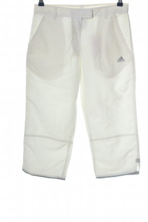 Adidas Pantalón pirata blanco look casual