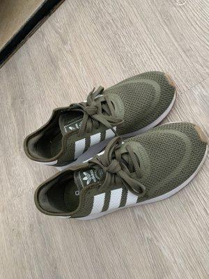 Adidas Originals Zapatilla brogue caqui-blanco