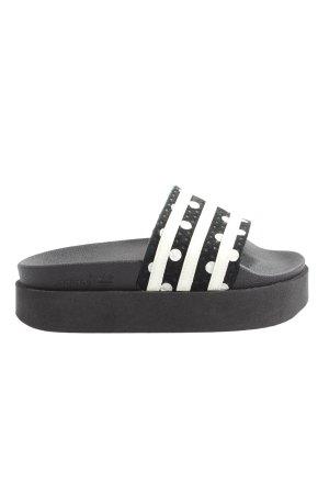 Adidas Zomerschoenen met hak zwart-wit gestreept patroon casual uitstraling