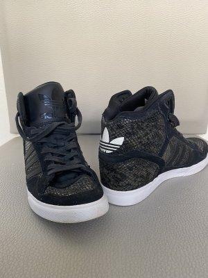 Adidas Absatz Sneaker
