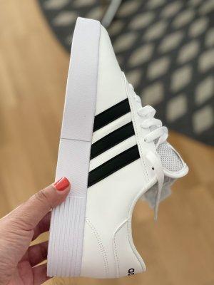adidas court bold sneaker Gr. 42