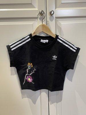 adidas Cropped Shirt