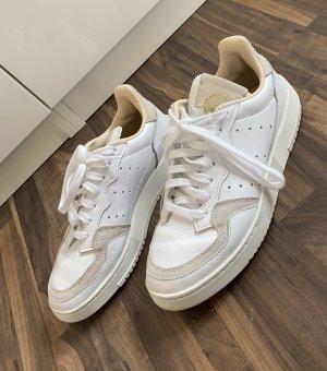 Adidas Sznurowane trampki biały-beżowy
