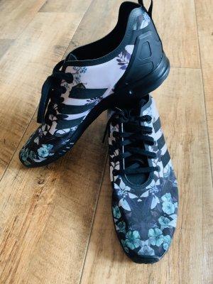 Adidas Flux Blumen