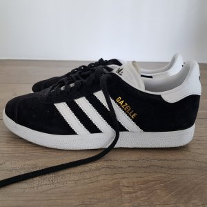Adidas Originals Lace-Up Sneaker black