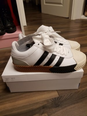 Adidas Skater Shoes white