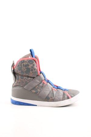 Adidas High Top Sneaker Blumenmuster sportlicher Stil