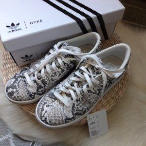 adidas hyke Sneaker