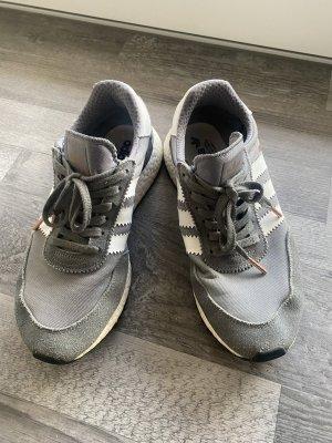 Adidas Iniki Sneaker Gr. 41,5 grau