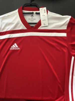 Adidas Jacke und Shirt