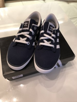Adidas Skaterschoenen donkerblauw-wit