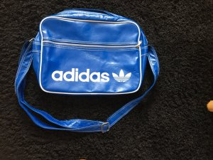 Adidas Bolso estilo universitario azul-blanco
