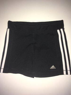 Adidas kurze Hose