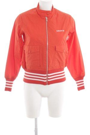 Adidas Kurzjacke rot-weiß Streifenmuster Casual-Look