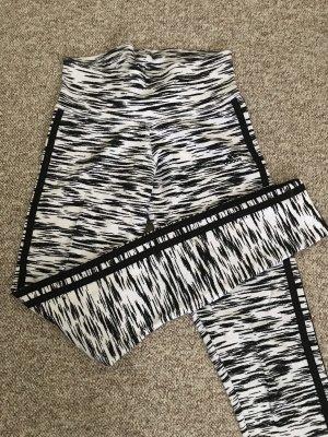 Adidas Leggins Größe XS Schwarz/Weiß