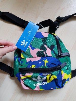 Adidas mini-Rucksack neu