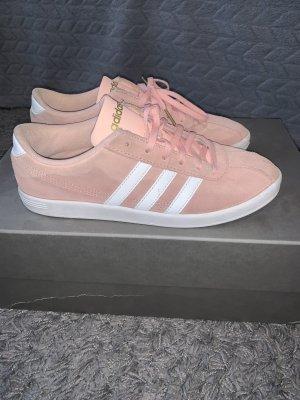 Adidas Sneaker stringata rosa-rosa chiaro