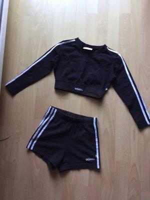 Adidas Original SportShirt mit kurze Hose