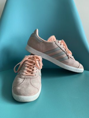 Adidas Originals Sznurowane trampki różany-szary