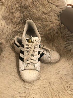 Adidas Originals in schwarz weiß