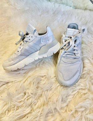 Adidas Zapatillas altas color plata-gris claro