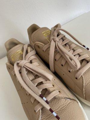 Adidas Originals Sznurowane trampki nude Skóra