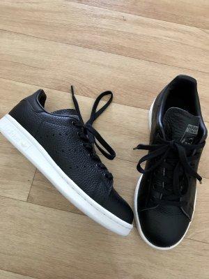adidas stan smith Basket à lacet noir-blanc cuir