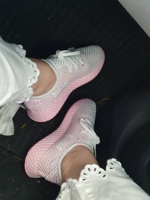 Adidas runner sneaker