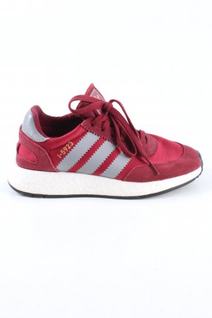 Adidas Basket à lacet rouge-gris clair style décontracté