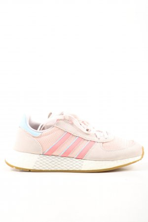 Adidas Sznurowane trampki w kolorze białej wełny-różowy Sportowy styl